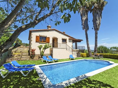 Photo for This 4-bedroom villa for up to 8 guests is located in Calonge and has a private swimming pool and Wi
