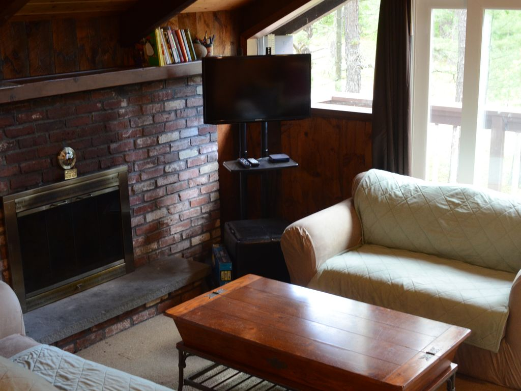 Cathedral Ledge Chalet Walk to Echo Lake, Pet Friendly, North Conway NH, Intervale,White ...
