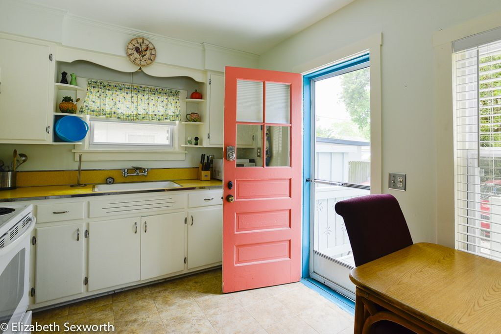 Old-Florida Summer Cottage in Waterfront District Pet Friendly - Gulfport