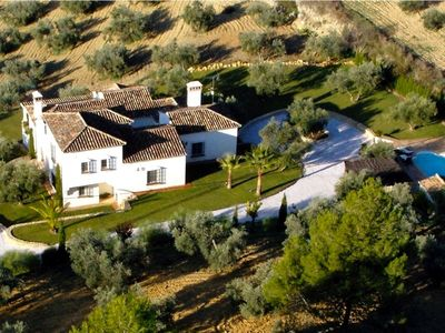 Photo for Family friendly villa, private pool and barbecue, 10 min drive from Ronda