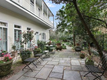 STUNNING 19th Century Tremé Mansion - Close to French Quarter!