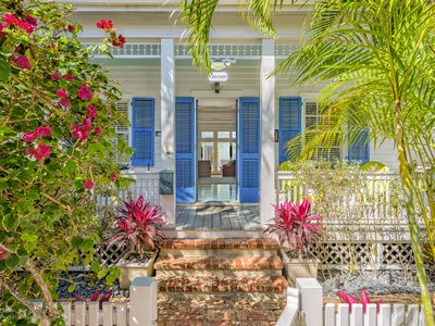 Casa Loca- One of a kind estate 1/2 block from Duval in Old Town Key West