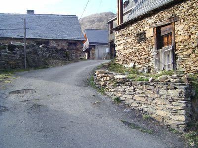 Photo for B located on the GR10 at 1100m in Alt Biros valley in Couseran