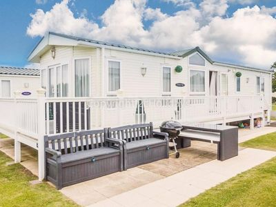 Photo for Luxury holiday home at Haven Hopton near the golf course in Norfolk.ref 80002W