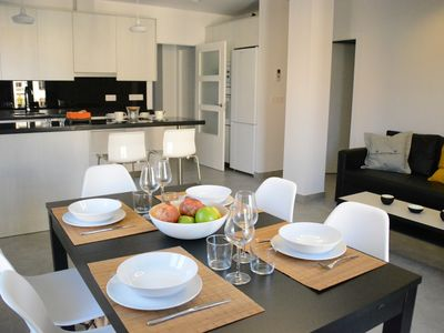 Photo for BRIGHT AND MODERN APARTMENT IN THE CENTER.