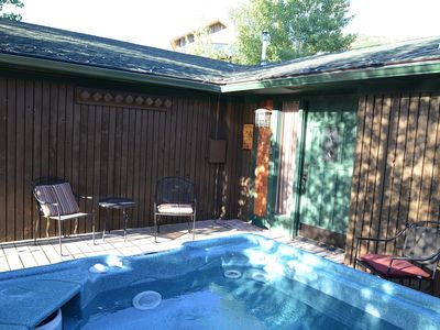 Photo for Home near Gondola & Bus, Hot Tub, Garage, Pets OK, DISOUNTED NEW YEARS EVE WEEK!
