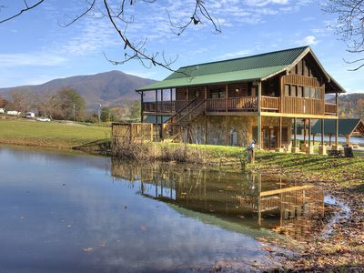 A Fishing Hole is an Amazing 1 Bedroom Cabin with 1/2 acre Fishing Pond!