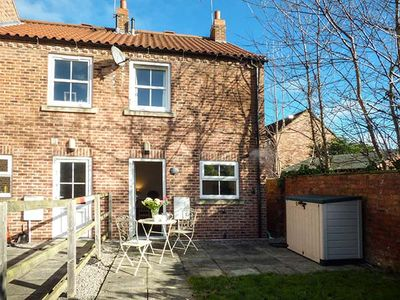 Photo for NUMBER 5 AT HESLINGTON MEWS, family friendly in York, Ref 939479