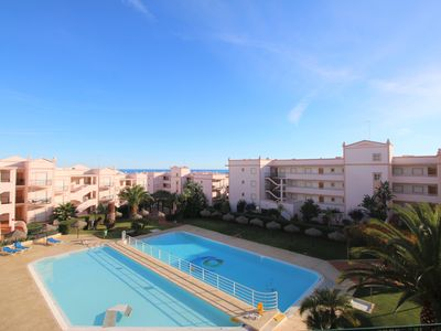 Photo for 2 bed apartment with sea view and shared pool in Praia da Luz
