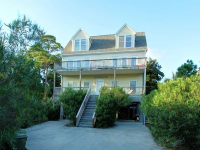 Spacious Relaxing Marsh Retreat with plunge pool & hot tub ! Great location!