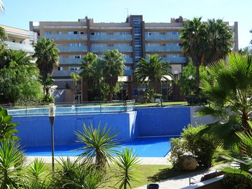 Apartments On Secure Prestigious Complex, Private Indoor & Outdoor Pool, Gym, Ja - Apt A, Bloque A Esc B 1-1 (2 Bedrooms, Sleeps 4/6)