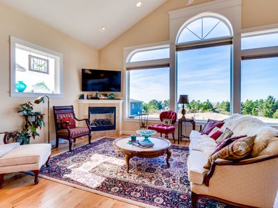 Photo for 4BR House Vacation Rental in Oceanside, Oregon