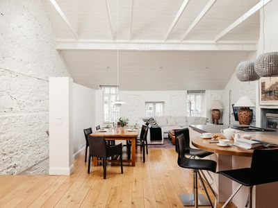 Photo for Luxurious three bedroom apartment in Mews building 10min from St Stephen's Green