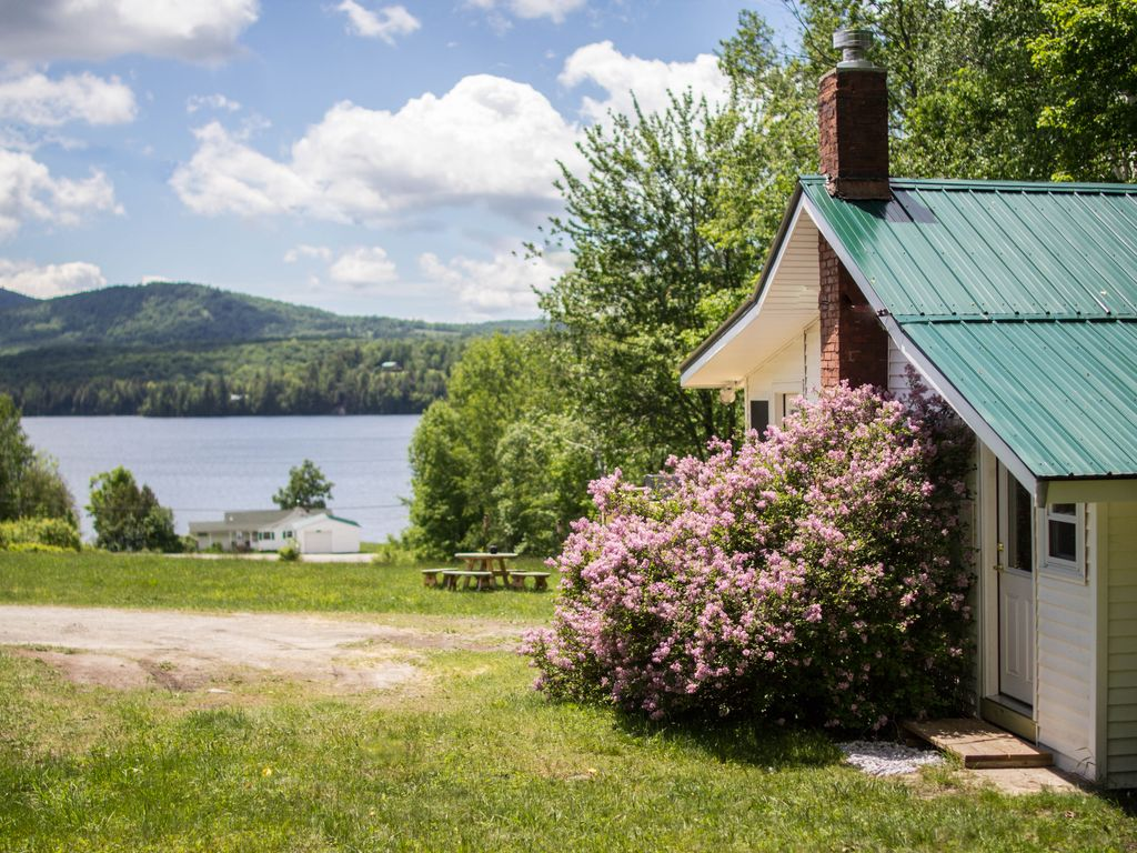 Beautifully Renovated Classic Vermont Lake Vrbo