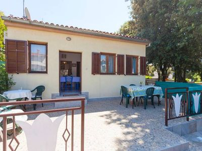 Photo for Holiday home Josipa, (14644), Pula, Pula riviera, Croatia