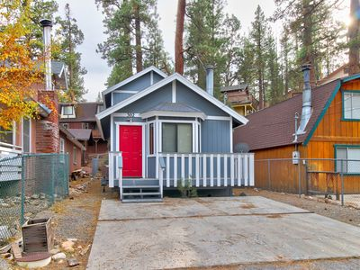 Photo for NEW LISTING! Cozy home in mountains w/fireplace & balcony -near lake/skiing