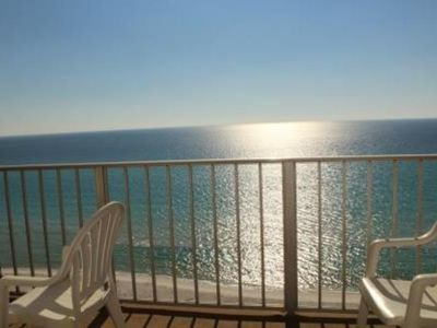 Photo for Beautiful Family Friendly 3-Bed Condo Right on the Beach!