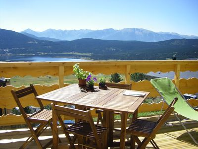 Photo for Apartment in chalet 4 pers stunning views of the lake and the Pyrenean chain