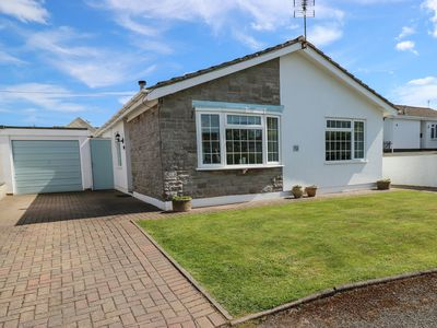 Photo for THE CWTCH, family friendly, with a garden in Penally, Ref 968824
