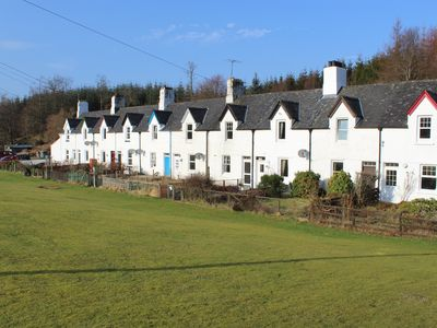 Photo for Crinan Canal Cottage No8 Cairnbaan Cottages