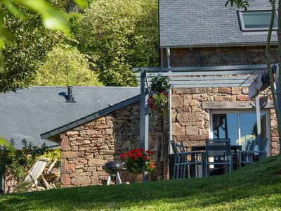 Photo for Cottage for 10 in an exceptional setting, overlooking Turenne, near Collonges