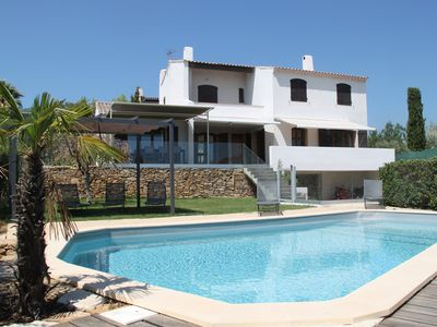 Photo for Villa with seaside view and private pool in Provence