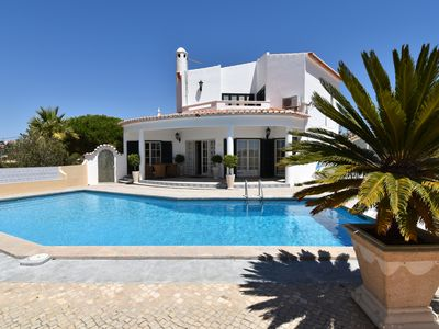 Photo for Detached villa with private pool, quiet location, 3 bedrooms