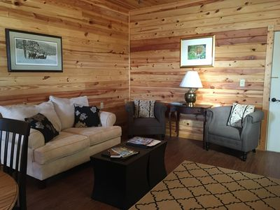 Photo for Peaceful, country guest house in the center of the Hill Country