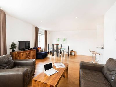 Photo for -25% OFF! Bond apartment next to MI6 and BIG BEN