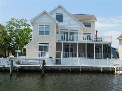 Photo for On the canal! Boat friendly! Large home! Beach Access! Private Community! 34966