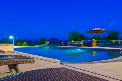 Intellibrite 5G lighting lets you choose your pool/jacuzzi colors!