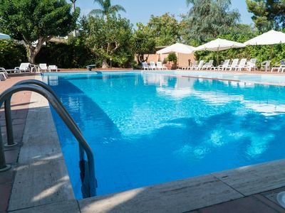 Photo for Villa Nancy - Apartment in villa in residence on the sea with swimming pool