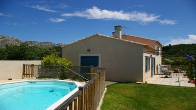 Photo for Villa with private pool 7 people, with beautiful views of the Alpilles