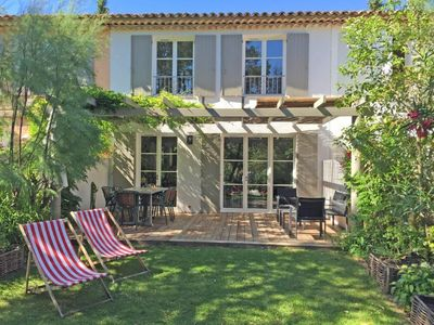 Photo for Beautiful air-conditioned house near a lake in Grimaud