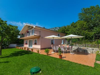 Photo for Holiday house with swimming pool and air conditioning