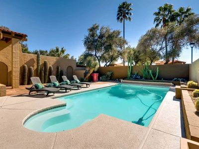 Photo for BACKYARD OASIS SPA+FIRE PIT+PUTTING GREEN+POOL