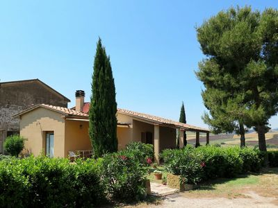 Photo for Stunning private villa for 6 people with WIFI, TV, pets allowed and parking