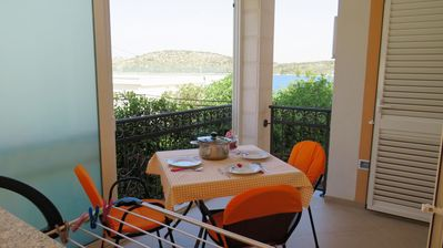 Photo for 1BR Apartment Vacation Rental in Grebastica