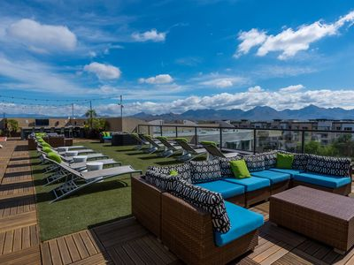 Photo for ❤NEW~Walk to Restaurants & shopping~Scenic Rooftop Deck~Resort Living~Cable~WIFI