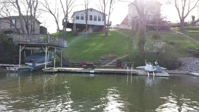 Photo for Cozy lakefront cottage! Family and Pet Friendly! Relax and enjoy lake life!