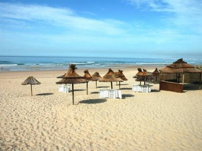 Photo for Costa Da Caparica Apartment 3 rooms, 80 m2 250m from the beach and close to shops