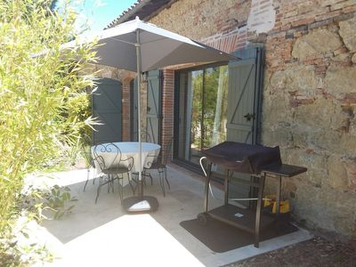 Photo for At the heart of the Gascony countryside and enjoying breathtaking views of the Pyrenees, Villa Peyrigué is a guest house that welcomes you in its 2 independent cottages. Located on the slopes of the Gers and near Toulouse (30 km), Villa Peyrigué is an invitation to relaxation, scenery and discovery.
