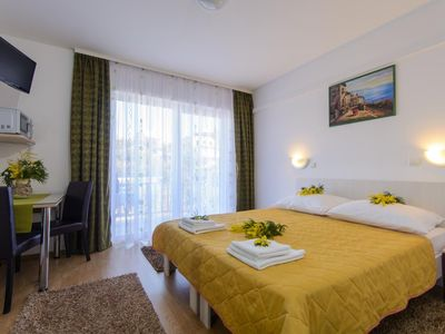 Photo for Studio flat with balcony and sea view Trogir (AS-15440-b)