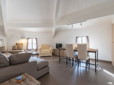 RESIDENCE VILLA DELICE, New apartment with parking in the heart of the village