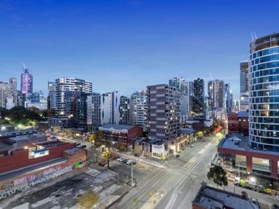 Photo for Funky loft Apartment in Melbourne on Spencer st close to everything melbourne has to offer!