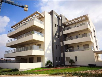 Photo for GROUND FLOOR APARTMENT WITH SPA VILLAMARTIN LOS DOLSES