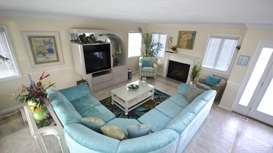 """Living Area, with pull out and 40""""flat screen"""
