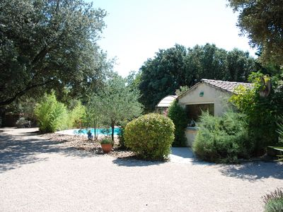 Photo for L Enclos between oaks and vineyards private pool