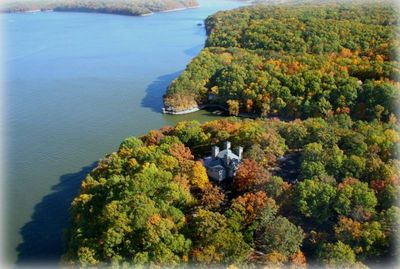 12 beautiful private acres of privacy