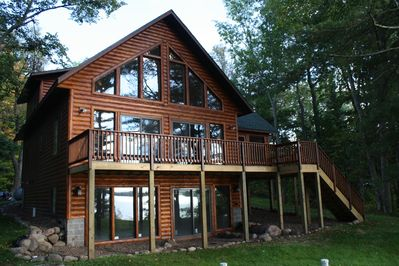 Beautiful Birchwood Lakeside Cabin Get-away